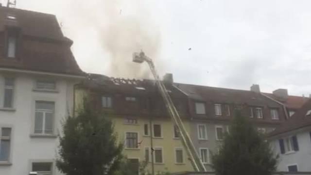 Die Rettungstruppen waren rasch bei der Brandstelle.