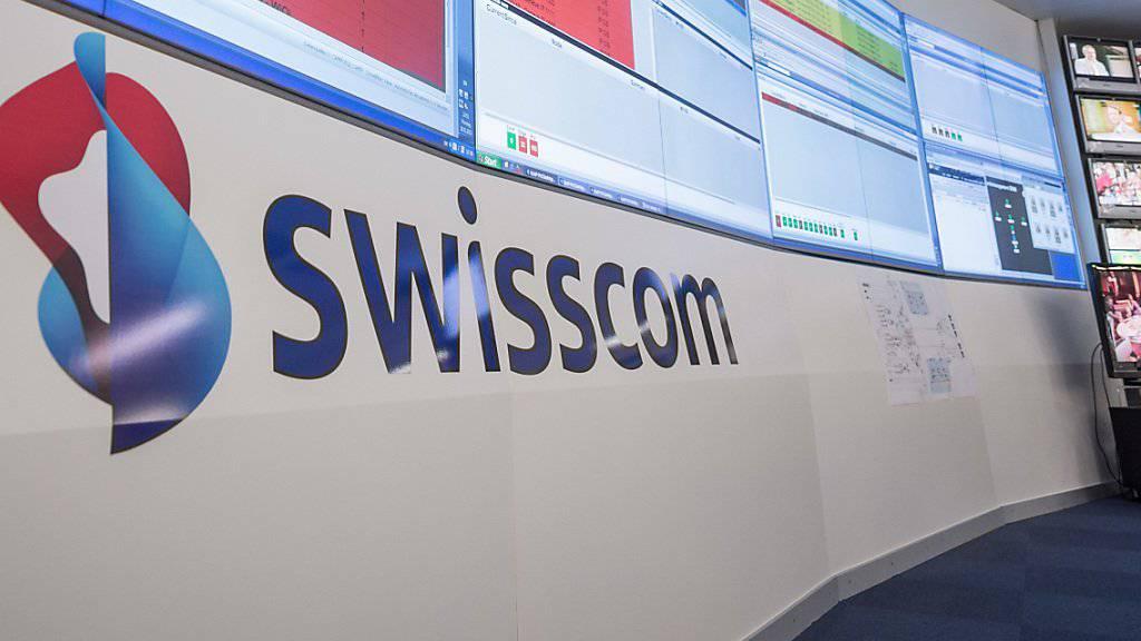 Weniger Umsatz, aber dennoch mehr Gewinn: Die Swisscom gibt sich nach neun Monaten zufrieden. (Archiv).