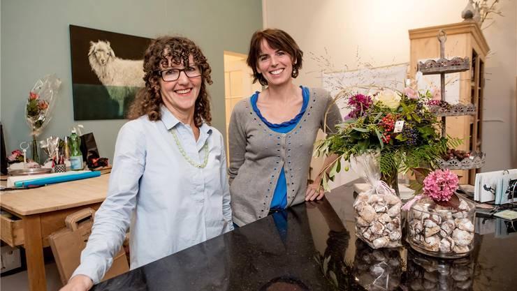 «Verikoko», der Laden von Dora Stalder Kiefer (l.) und Doris Hofmann.