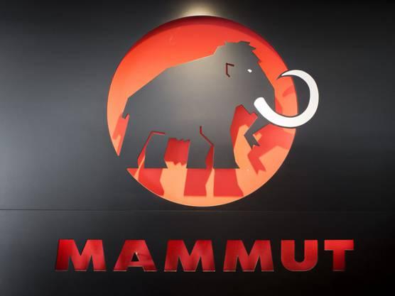 Der Sportartikelanbieter Mammut ist unter der Leitung seines derzeitigen Chefs Rolf G. Schmid vom Nischenanbieter zur starken Marke gewachsen. Jetzt muss sich das Unternehmen einen neuen Chef suchen. (KEYSTONE/Ennio Leanza)