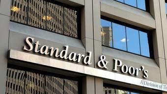 Die französische Finanzmarktaufsicht ermittelt gegen die Rating Agentur Standard & Poor's (Archiv)