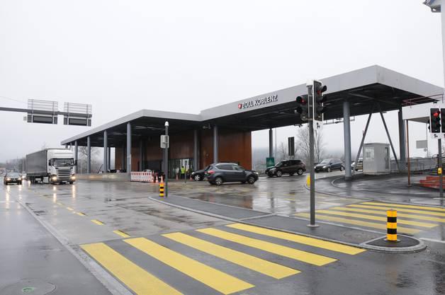 Der Grenzübergang in Koblenz: Täglich queren hier 12'000 Fahrzeuge die Brücke über den Rhein, davon über 1000 Lastwagen.
