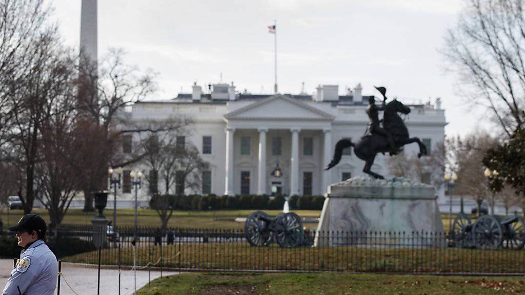Das Weisse Haus in Washington erwägt nun offenbar doch zusätzliche Sanktionen gegen Russland. (Symbolbild)