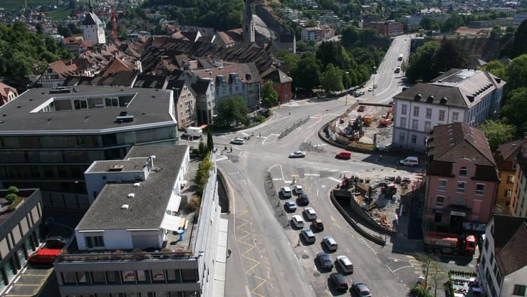 Blick vom Hotel Linde auf die Baustelle beim Schulhausplatz.