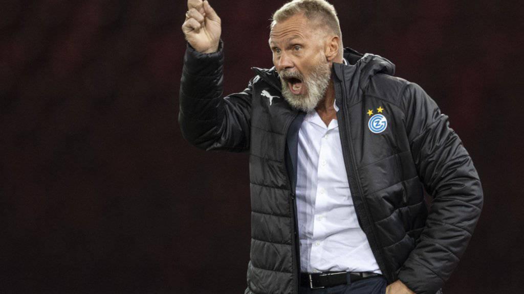 GC-Trainer Thorsten Fink hebt den Mahnfinger