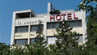 Im «La Cappella» ziehen im August rund 100 Asylbewerber ein. Alex Spichale