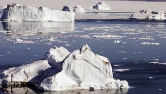 Rohstoff-Ausbeutung lässt die Meereisdecke der Arktis schneller schmelzen (Symbolbild)