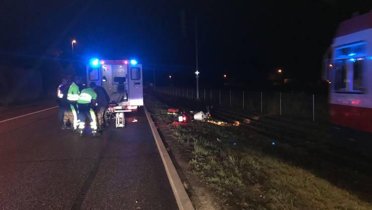 Ein betrunkener Motorradfahrer baute einen Selbstunfall