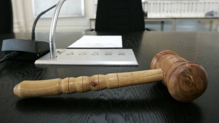 Der Regierungsrat lehnt die Vorschläge zur Änderungen der Strafprozessordnung in einigen wesentlichen Punkten ab. (Symbolbild)