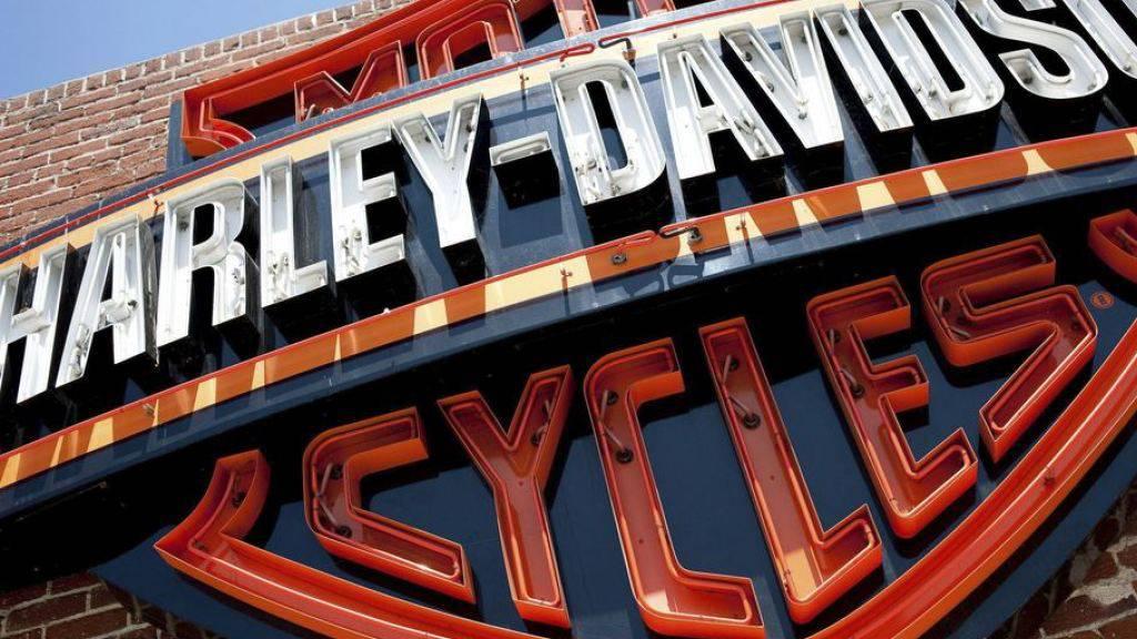Der US-Motorradhersteller Harley-Davidson will sparen und streicht Stellen.