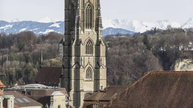 Die Kathedrale von Freiburg - kein Boden für Imame
