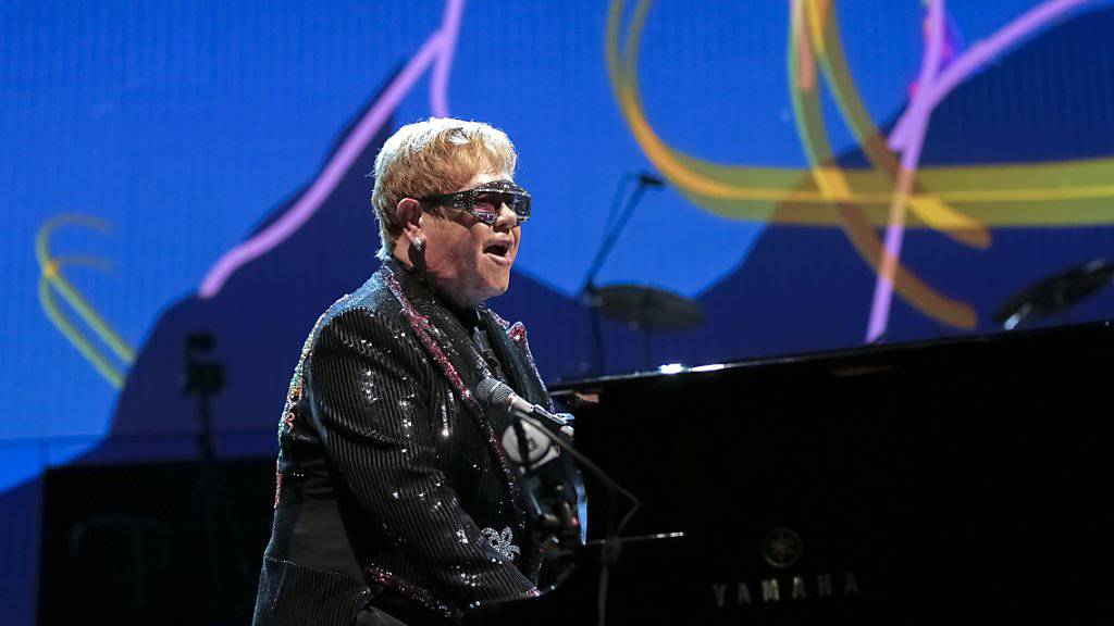 Der britische Popstar Elton John auf Abschiedstournee: Seine Show «Farewell Yellow Brick Road» ist inspiriert von der gelben Ziegelstrasse aus dem Zauberer von Oz. (Archivbild)