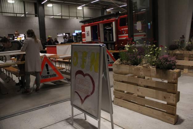 Ausstellerabend mit interner Eröffnung und Rundgang durch die 11. Schenkenberger Gewerbeausstellung (Schega) im neuen Gewerbepark in Schinznach-Dorf. Löschgarten.