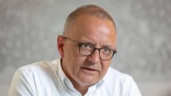Hanspeter Hilfiker und der Stadtrat Aarau rechnen mit roten Zahlen.