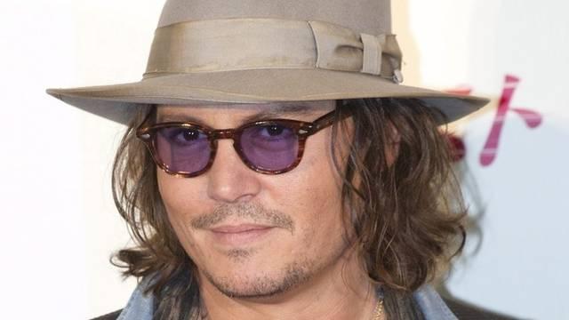 Johnny Depp trägt gerne Hüte mit breiter Krempe (Archiv)