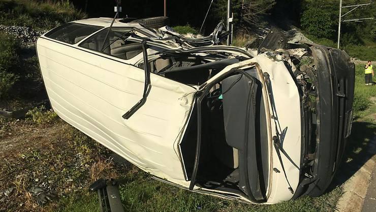 Bei einer Kollision zwischen einem Auto und einem Minibus sind am Dienstag auf der Strasse vom Grossen St. Berhard sieben Personen verletzt worden.