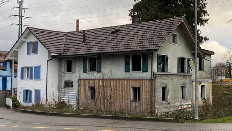 Das Gebäude links bleibt erhalten, das Gebäude rechts soll abgebrochen werden.