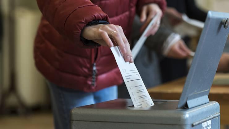 Wegen des falsch berechneten absoluten Mehrs mussten sämtliche Wahlzettel nochmals ausgezählt werden (Symbolbild)