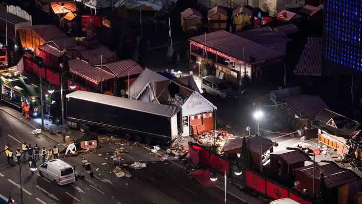 Ein Lastwagen raste am 19. Dezember 2016 auf den Weihnachtsmarkt an der Berliner Gedächtniskirche.