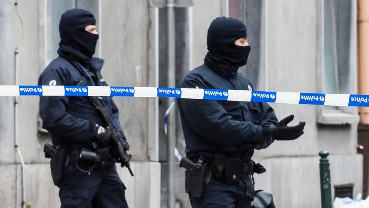 Belgische Polizeikräfte haben die Wohnung am 10. Dezember durchsucht. (Symbolbild)