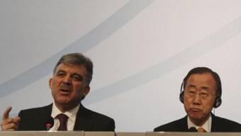 Der türkische Präsident Abdullah Gül (l) und UNO-Generalsekretär Ban Ki Moon in Istanbul