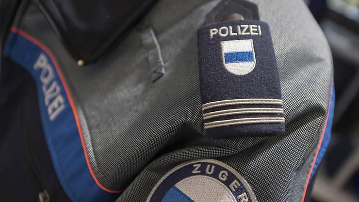 Die Zuger Polizei hat einem Betrüger das Handwerk gelegt. (Symbolbild)