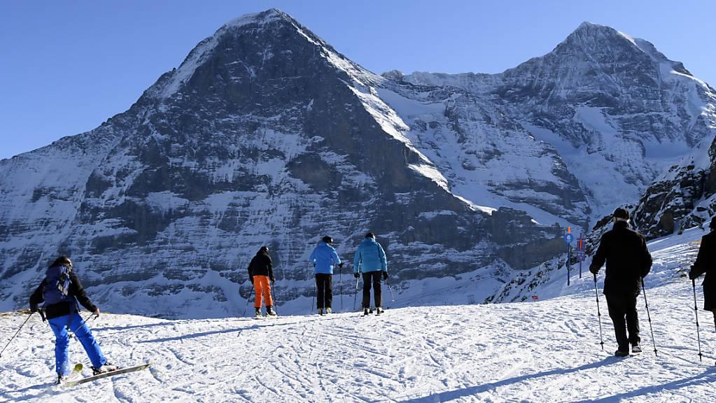 Ein 24-jähriger Skifahrer ist an der Westflanke des Eigers im Berner Oberland tödlich verunglückt. (Archivbild