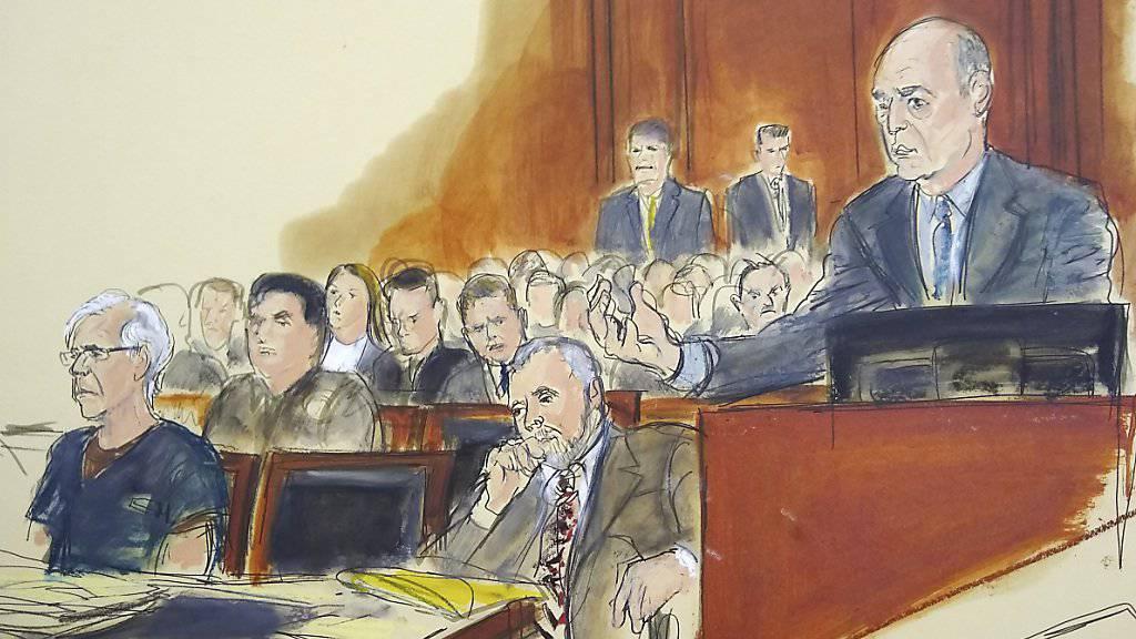 Ein Gericht in New York will in der Affäre um Missbrauchsvorwürfe am Donnerstag darüber entscheiden, ob der 66-jährige Unternehmer Jeffrey Epstein gegen Kaution freikommen kann. Das sagte Richter Richard Berman am Montag bei einer Anhörung in New York.