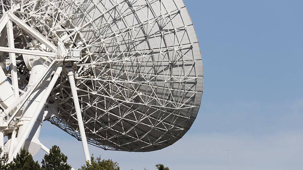 Frankreich beklagt russische Spionage auf französische Kommunikation über Satelliten. (Symbolbild)