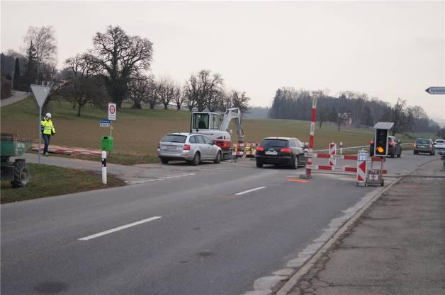 Die Brestenbergstrasse erhält beidseitige Radstreifen.
