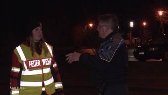 Am Samstagnachmittag erschütterte eine laute Explosion die Gemeinde. Ein 16-Jähriger hatte offenbar mit gefährlichen Substanzen experimentiert und sich dabei schwer verletzt.