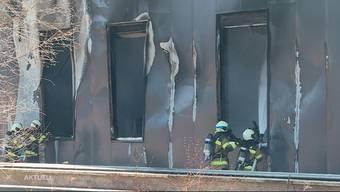In Lüsslingen im Kanton Solothurn brannte am Mittwochmittag ein Industriegebäude. Verletzt wurde niemand, der Brand verursachte jedoch einen hohen Sachschaden.