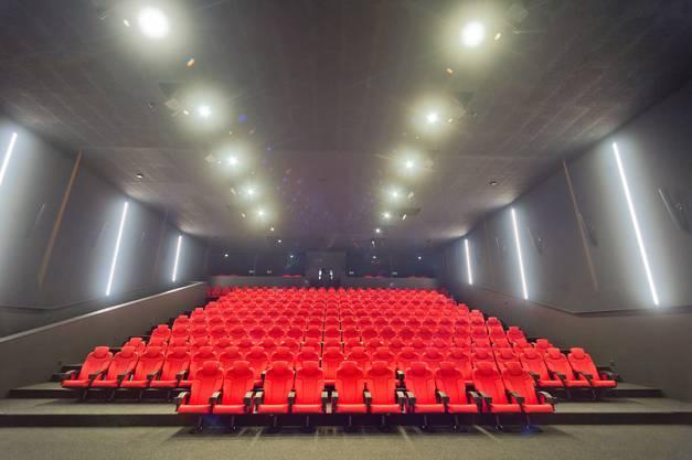 Von diesem Kinosaal gelangt man über die Logen direkt in die Themen-Hotelzimmer