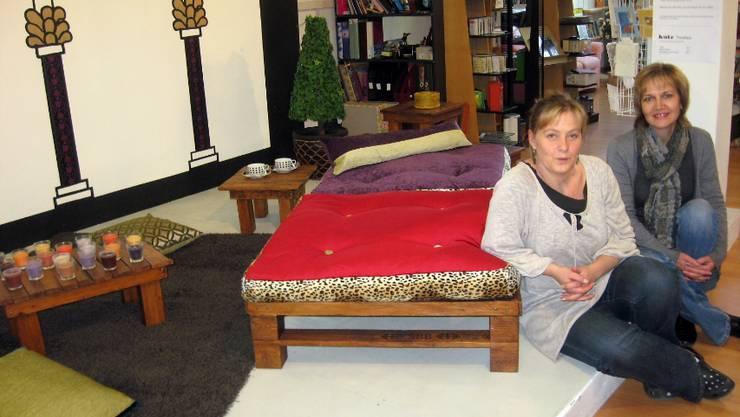 Weihnachtsschmuck Und Möbel Aus Recycling Material Lenzburg