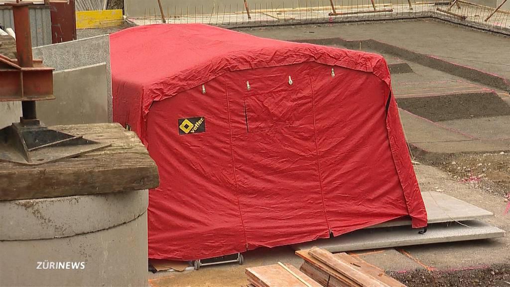Tödlicher Arbeitsunfall: 15-Jähriger stirbt auf Baustelle