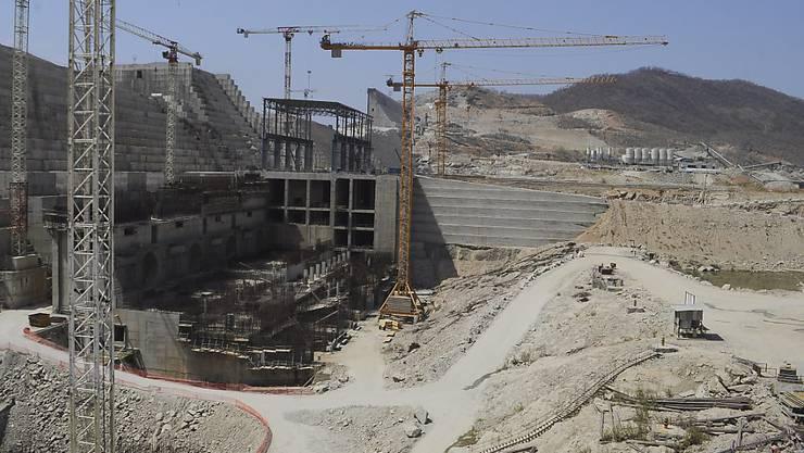 Äthiopien baut seit 2012 an dem vier Milliarden Dollar teuren Staudamm. Ägypten sieht durch den Staudamm seine Wasserversorgung in Gefahr. (Archivbild)