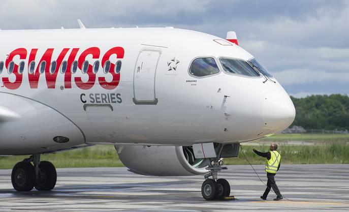 Die Bombardier C Series 100 der Swiss - noch in Kanada am 30.Juni. Einen Tag später landet sie in Zürich Kloten.