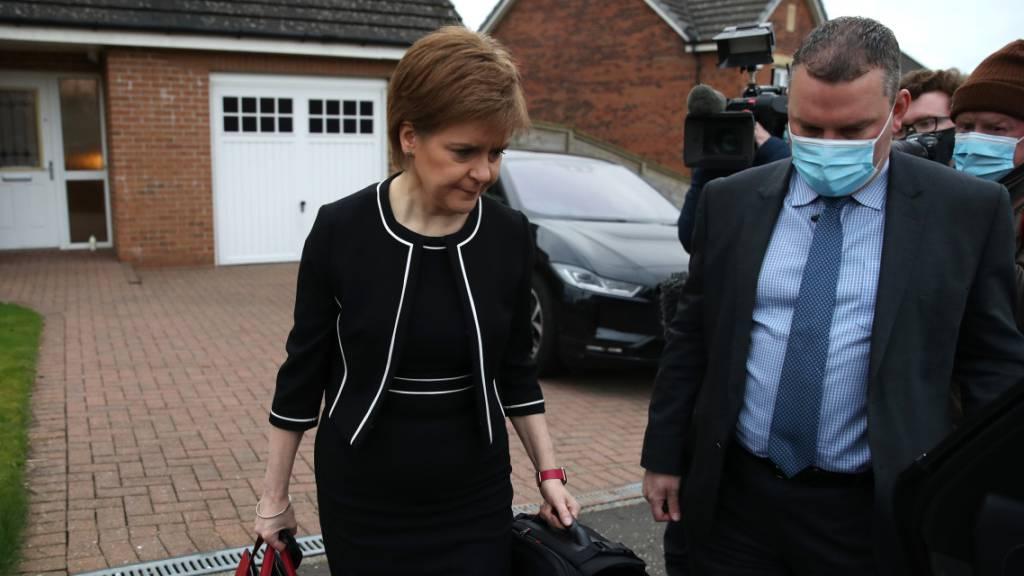Aufregung in Schottland: Regierungschefin trotzt Lügenvorwürfen