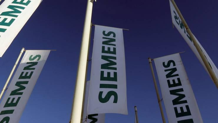 Siemens baut neuen Hochgeschwindigkeitszug trotz Bahnehe mit dem französischen Konkurrenten Alstom. (Archiv)