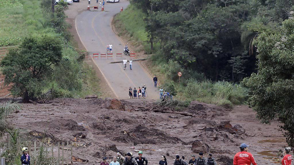 Die Gefahr ist noch nicht gebannt: Nach der verheerenden Schlammlawine in Brasilien droht ein weiterer Dammbruch. (Archivbild)
