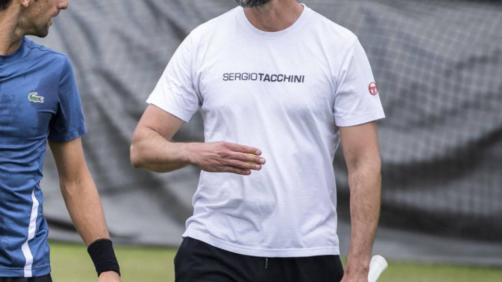 Der serbische Weltranglisten-Erste Novak Djokovic (links) holte den Kroaten Goran Ivanisevic (rechts) in den Trainer-Stab für die Titelverteidigung in Wimbledon