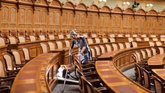 Nur noch sechs der 200 Stühle im Nationalratssaal sind für Solothurner/-innen reserviert – aber 147 Personen bewerben sich um einen davon.Gaetan Bally/Keystone