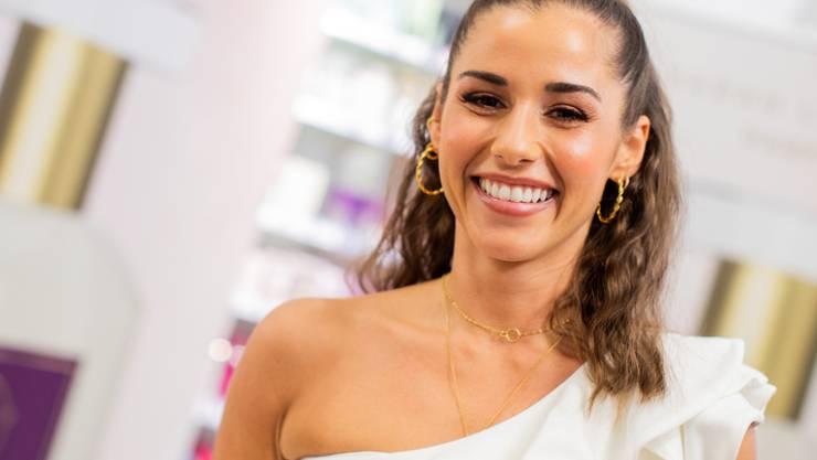 Die deutsche Sängerin und Moderatorin Sarah Lombardi ist wieder Single.