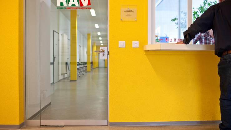 Regionales Arbeitsvermittlungszentrum: Im Kanton Solothurn ist die Arbeitslosenquote 0,3 Prozentpunkte gesunken (Symbolbild; Foto: Keystone)