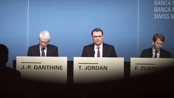 Das SNB-Direktorium nimmt vor den Medien Stellung zu seiner geldpolitischen Lagebeurteilung