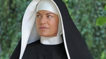 Christine Neubauer schlüpft in die Rolle der Schwester Pascalina