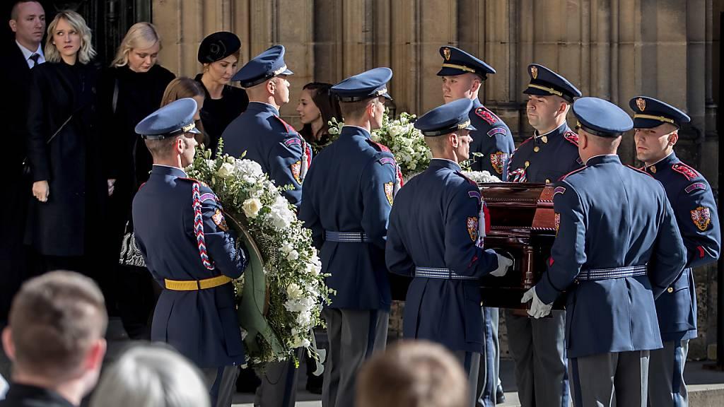 Letzte Ehre für Karel Gott - Requiem im Prager Veitsdom