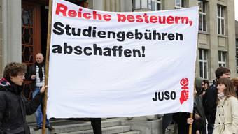 Zürcher Studenten wollen höhere Studiengebühren nicht hinnehmen