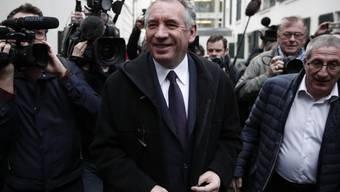 War schon drei Mal selbst Präsidentschaftskandidat und stellt sich nun hinter Ex-Wirtschaftsminister Emmanuel Macron: Zentrumspolitiker François Bayrou (m).