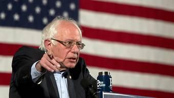 Reiht derzeit Sieg an Sieg, und kommt der Favoritin Hillary Clinton dennoch kaum näher: US-Senator und demokratischer Präsidentschaftsbewerber Bernie Sanders.